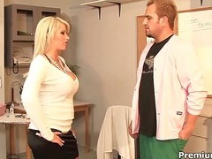 Brooke Adroit in special xxx treatment