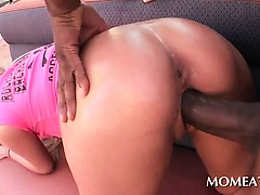 Bitchy blonde taking Negroid giant obstacle up in her pussy