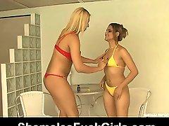 Angel&Amanda shemale screwing girl on video
