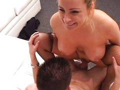 Young cock in experienced MILF pussy