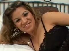 Tow-haired Latina milks a weasel words dry on her face and tits